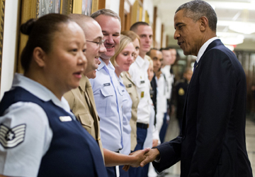 राष्ट्रपति ओबामा सैन्य अधिकारीबीच छलफल