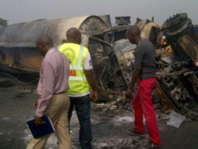 इन्धन गाडी विस्फोट हुँदा नाइजेरियामा ४५ जनाको मृत्यु
