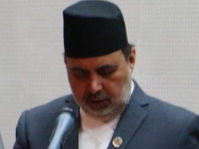 'अंगीकृत' नागरिकताधारी दुगड उद्याेग राज्यमन्त्रीमा नियुक्त