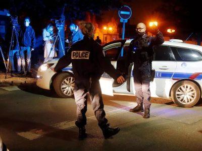 फ्रान्समा आतंकवादी आक्रमण, पैगम्बरको कार्टुन देखाउने शिक्षकको टाउको काटी हत्या