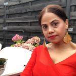 नेपाली डिजाइनर आरती प्रधान काफ्लेले  डिजाइन गरेको पहिरन मिस ग्र्यान्ड बेल्जियममा उत्कृष्ट