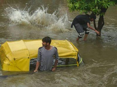 भारी वर्षाका कारण भारतको उत्तर प्रदेशमा १५ जनाको मृत्यु